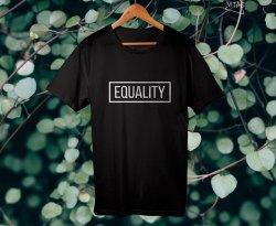 Camiseta Equality negra chica