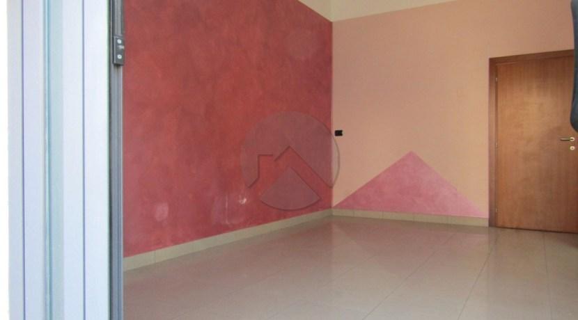 7333-affitto-cesena-macerone-negozio_-001.JPG