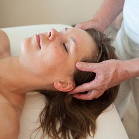 Bij een ontspanningsmassage hoort ook een hoofdmassage en gezichtsmassage