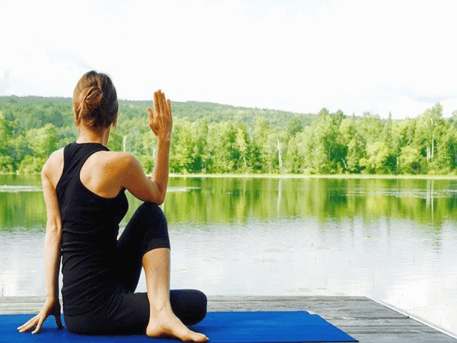 6 Incredible Ways To Do Yoga On A Budget