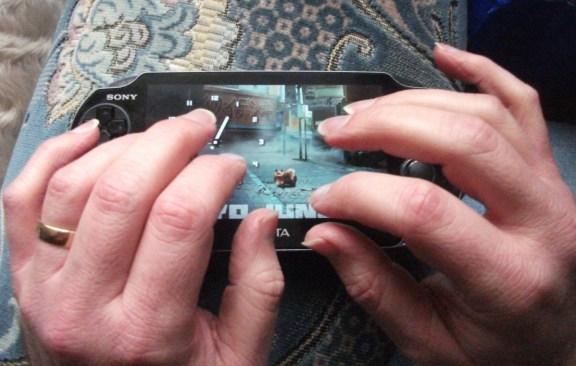 Wake-Up Club PS Vita - Hands Ready