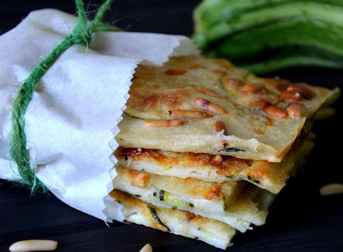 Schiacciatina di zucchine e pinoli