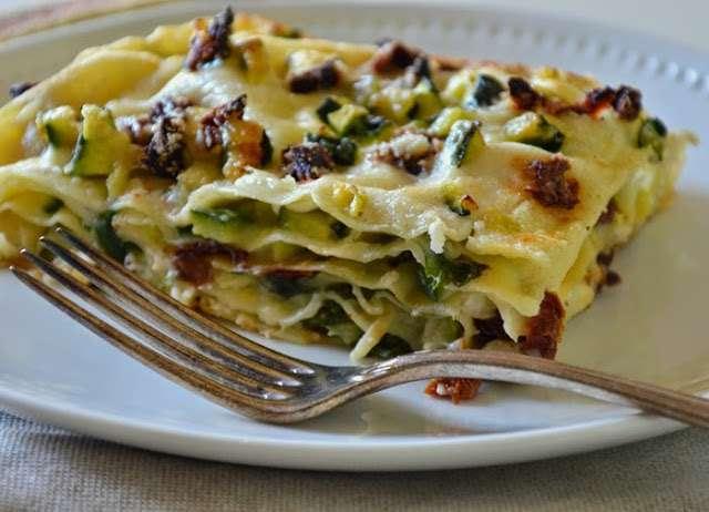 lasagne vegetariane con zucchine e besciamella light