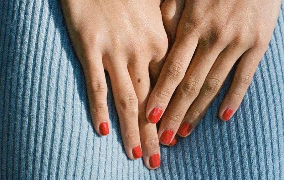 bestemmie sulle unghie