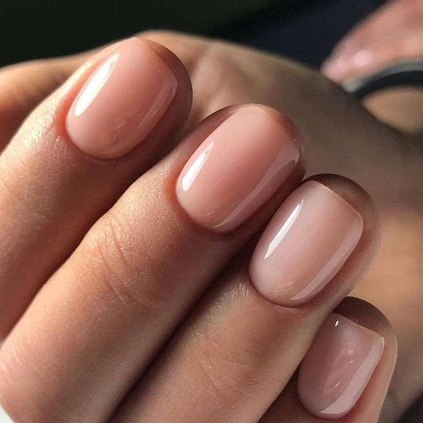 unghie color carne