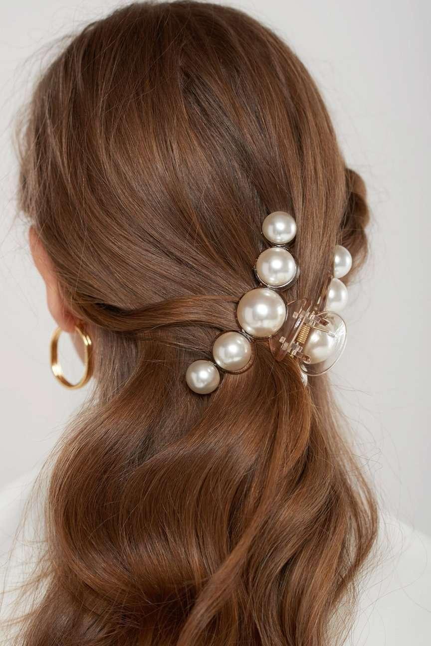 pinza per i capelli con le perle