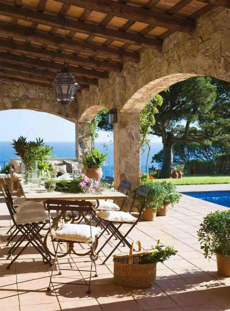 Garden party in piscina