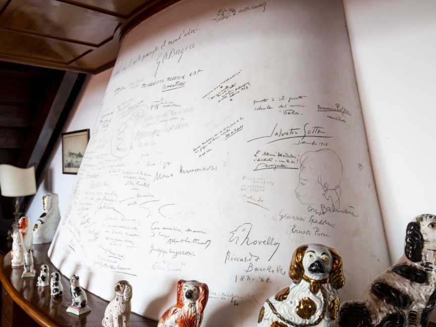 villa mondadori camino autografi