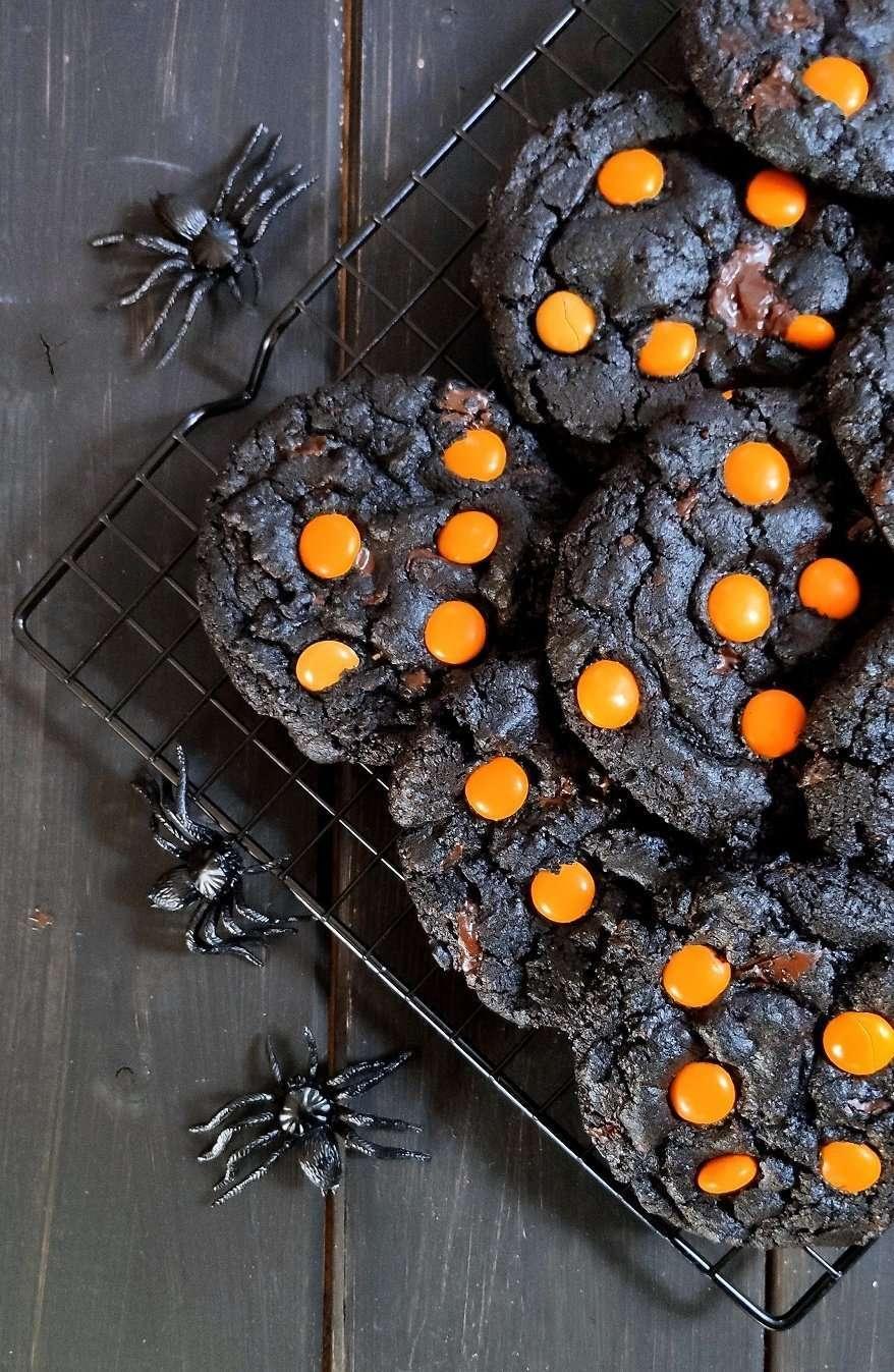 biscotti neri al cioccolato