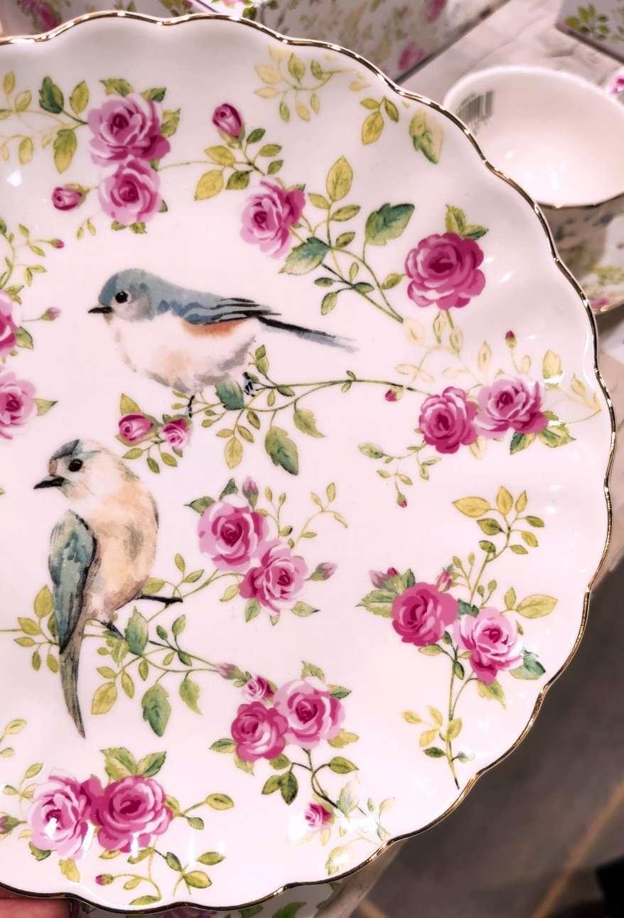 piatto con uccellini e rose