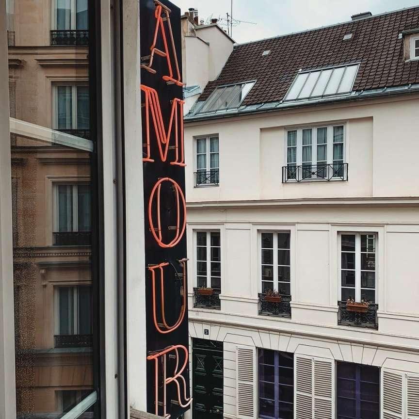 hotel amour parigi