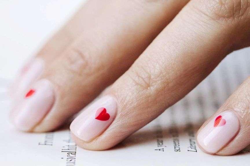 unghie con i cuori nail art