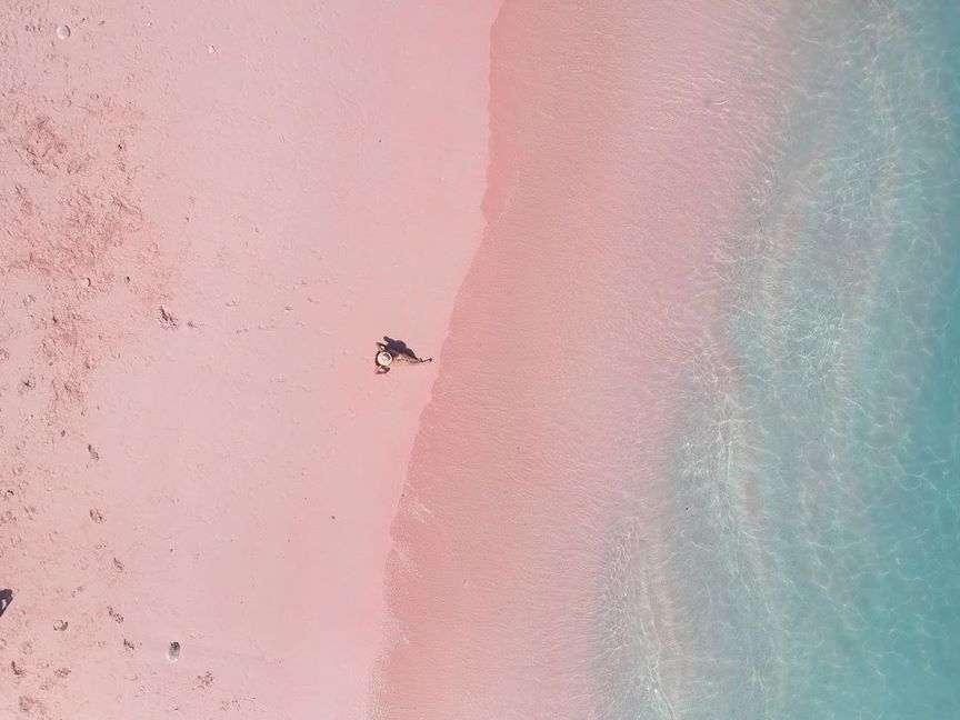 Luoghi da scoprire in Indonesia - pink beach