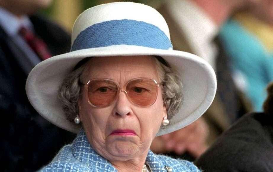 regina elisabetta indignata