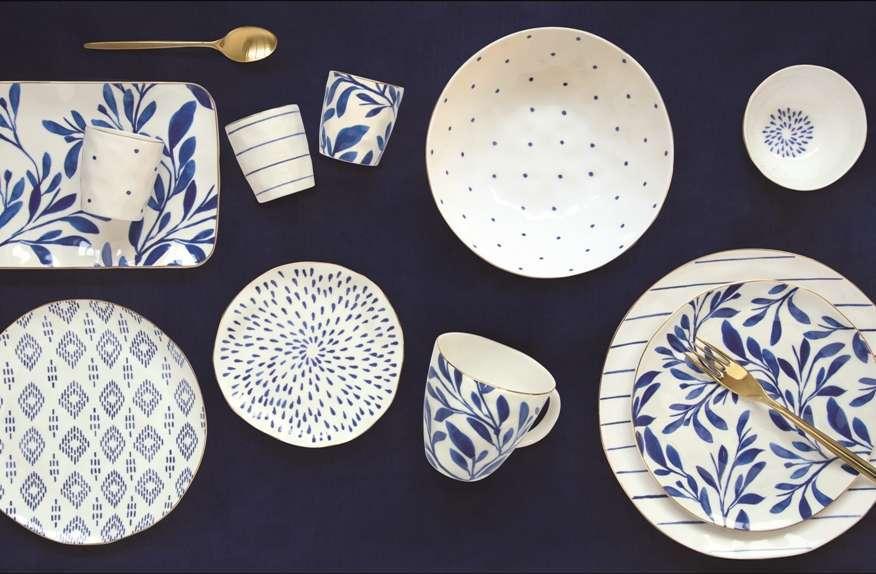porcellana bianca e blu
