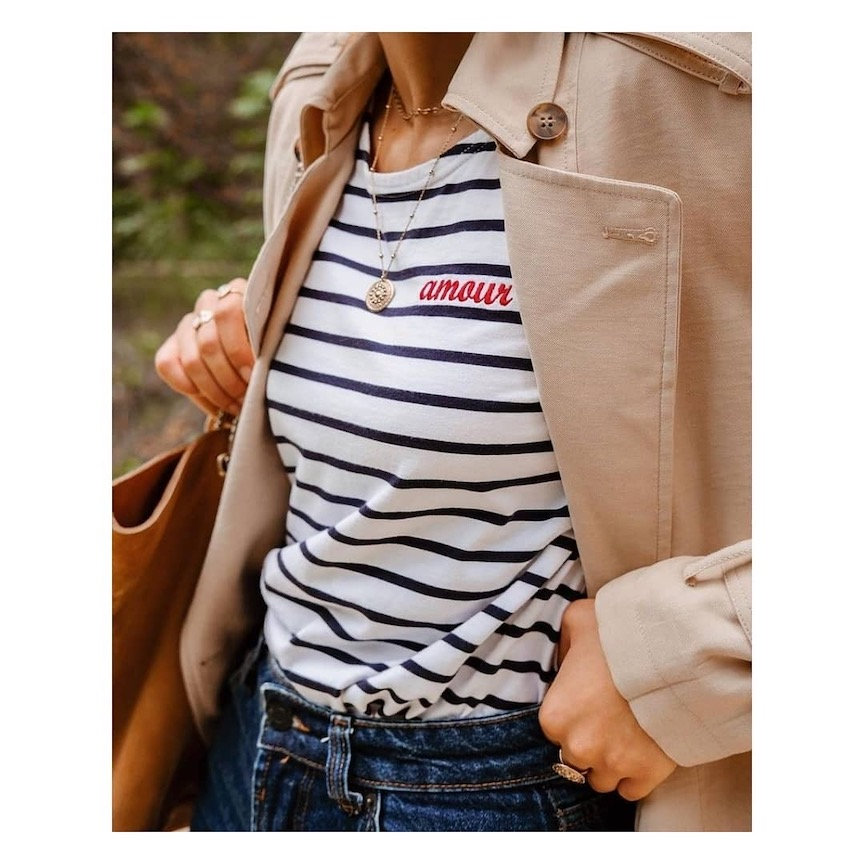 maglia a righe con scritta