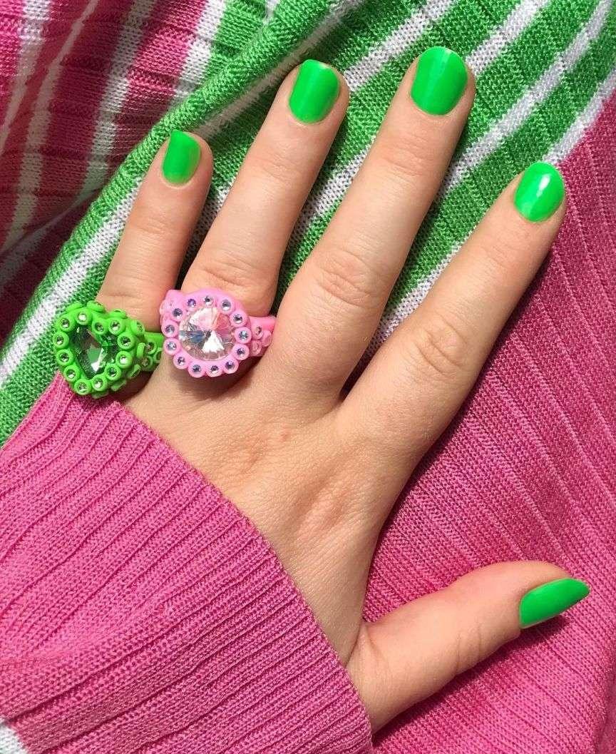 unghie verdi manicure