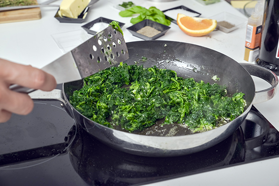 Rulou de Pastrav cu spanac si prosciutto