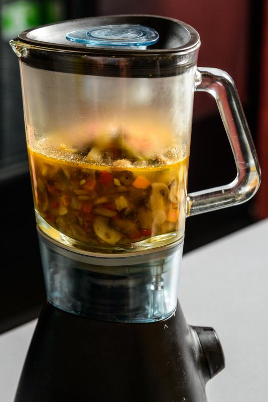 Supa cu cappuccino de ciuperci si insula de blue cheese