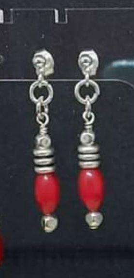 Boucles avec petite perle corail