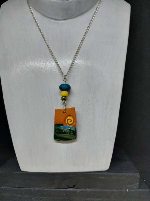Collier pendentif en céramique
