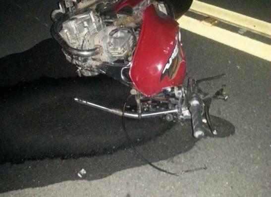 Batida entre caminhão e moto deixa um morto no Cariri