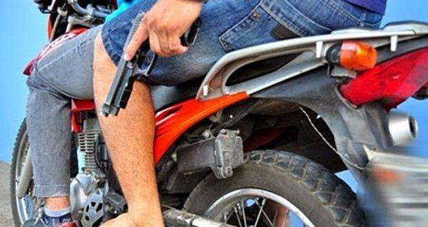 Mulher tem moto tomada em assalto e PM de Serra Branca segue em busca de criminosos