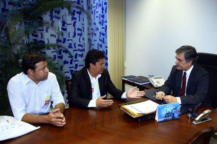 Senador Cássio Cunha Lima destina recursos para o Consórcio Interestadual de Saúde do Cariri