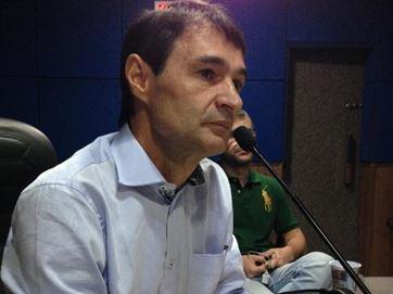 Romero busca a conciliação entre Cartaxo e Maranhão