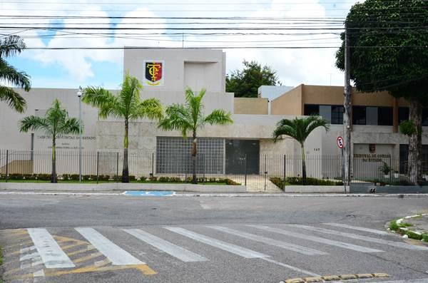 TCE proíbe contratação para guarda pessoal de ex-governadores