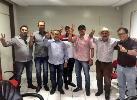 Pre-candidato ao governo, Maranhão recebe apoio de líderes de São João do Cariri