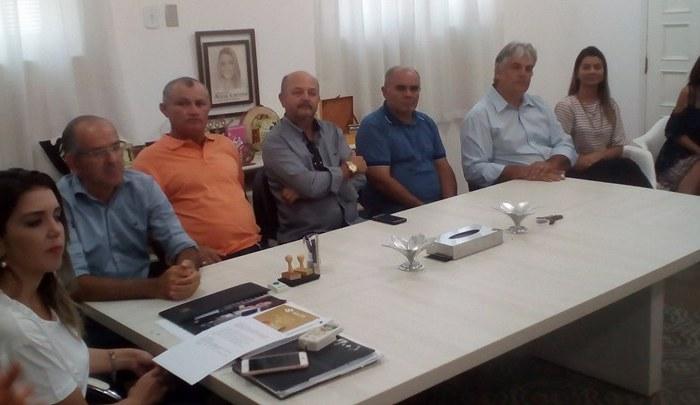 MONTEIRO: Vereadores prestigiam posse de novos agentes comunitários de saúde