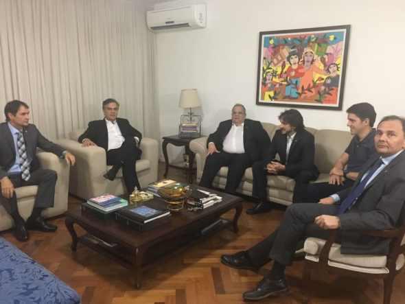 Romero desiste de candidatura ao governo para apoiar volta de Cartaxo