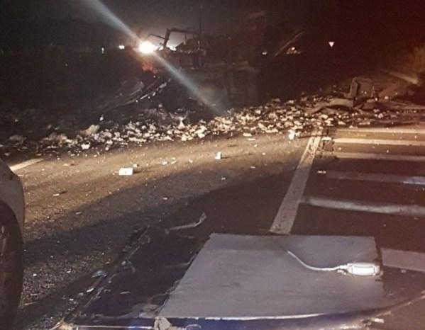 Homens armados explodem carro-forte na BR-230