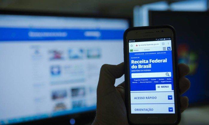 Auxílio emergencial: Com IR, brasileiros terão que devolver a ajuda