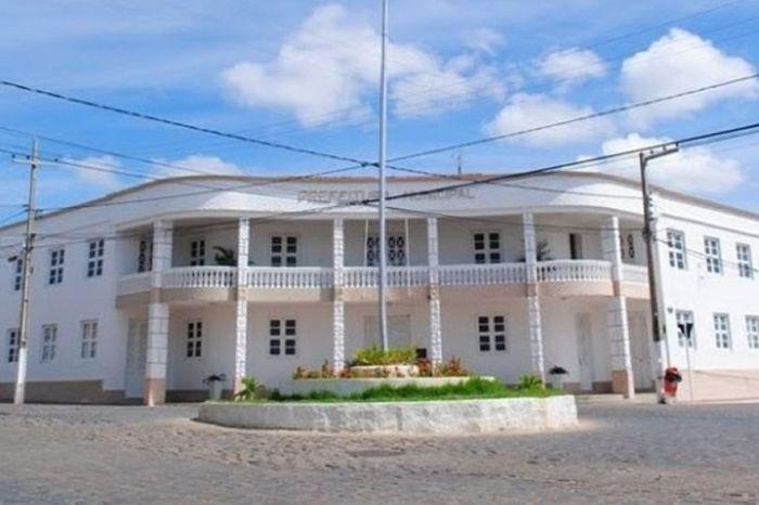 Repartições públicas de Monteiro terão ponto facultativo nesta quinta-feira