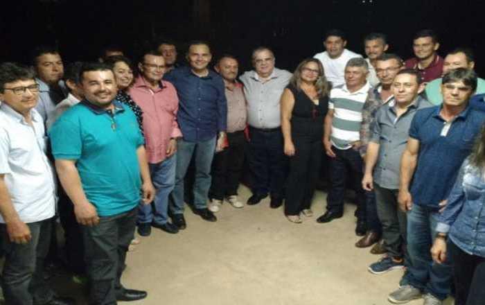 Rômulo Gouveia presta contas da atividade parlamentar em encontro no Cariri
