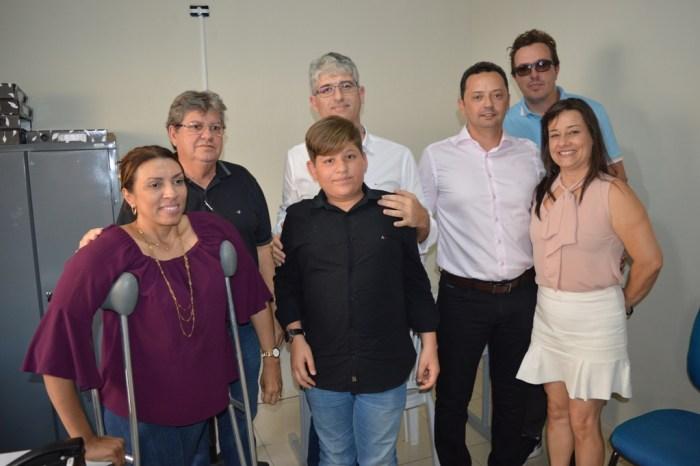 Éden e João Azevedo discutem com empresário instalação de indústria em Sumé
