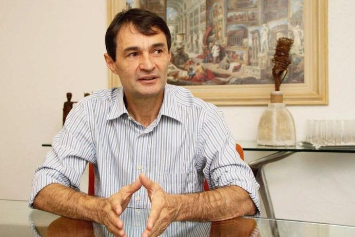 O dia do fico: Romero Rodrigues decide permanecer na PMCG