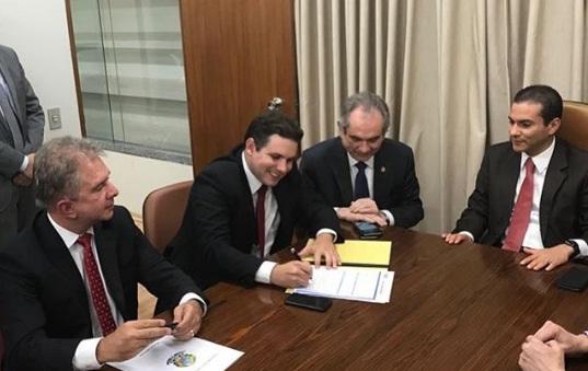 Hugo Motta e Nabor Wanderley trocam MDB pelo PRB