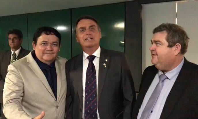 Prefeito de Serra Branca grava vídeo com Bolsonaro e gera polêmica nas redes sociais