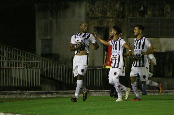Botafogo-PB vence o Confiança-SE e assume liderança da Série C