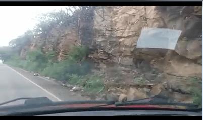 Professor alerta população sobre perigo de deslizamento em estrada do Cariri