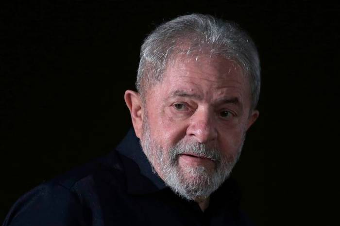 Lula completa um mês preso na sede da PF em Curitiba