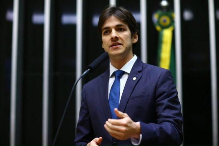 Deputado destina auxílio-moradia para projetos sociais da Paraíba