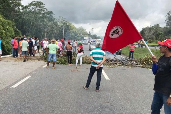 Mulher é baleada em manifestação pró-Lula na BR 101