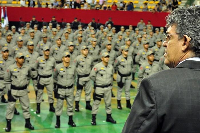 Governador suspende contratações de 500 Policiais Militares