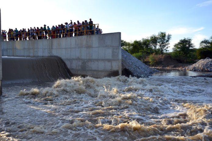 MOÍDOS DA REDAÇÃO: Água da Transposição não chega à Paraíba desde fevereiro de 2020