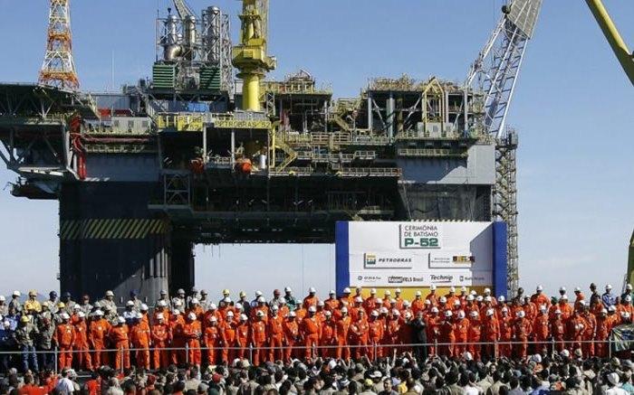 Petroleiros decidem deflagrar greve de 72 horas a partir de quarta