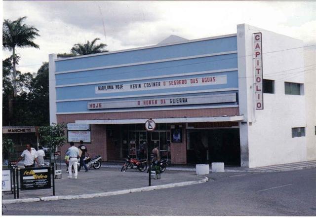 Defesa Civil reforça risco de desabamento do Cine Capitólio